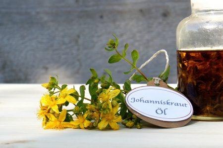 Rotöl (Johanniskrautöl)